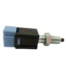 Bulbo Interruptor de Luces de Freno Original para Tsuru 3 1.6, 2 1.6, D22 2.4, Urvan 2.4