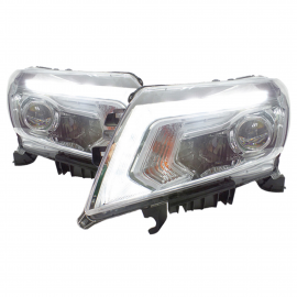 Juego de 2 Faros con Lupas y Perfil Led Auto Magic para Pick Up NP300